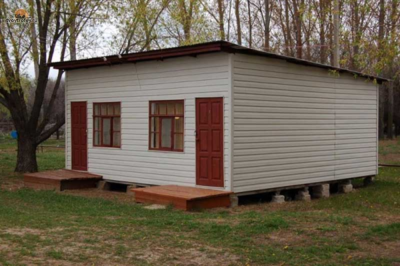 База отдыхаволжские зори - расположена в 40 км от жигулевска на берегу реки волги, на территории национального